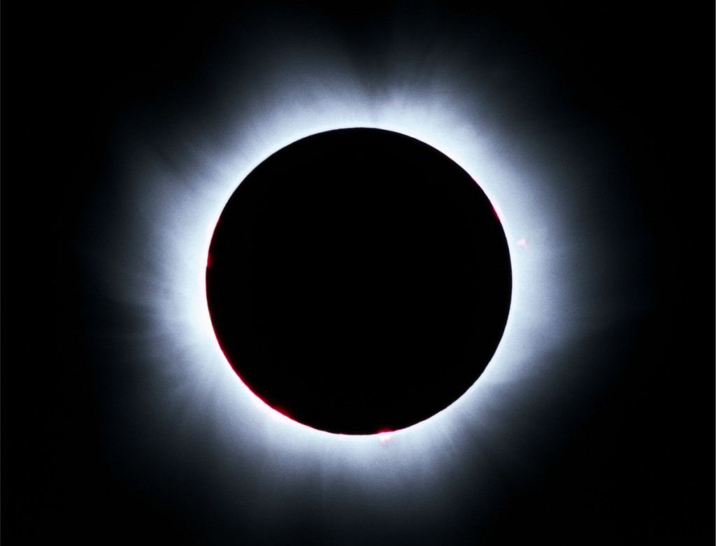 solar_eclipse_high